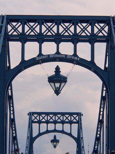 Die Kaiser Wilhelmsbrücke.