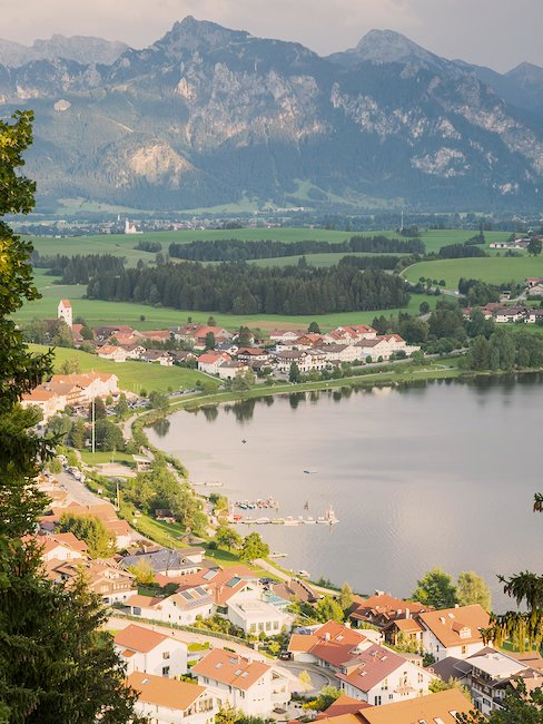 Uitzicht over Hopfen am See