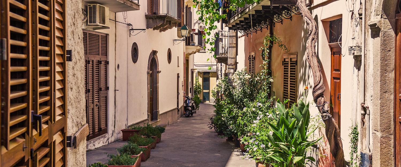 Bewundern Sie die wunderschöne Altstadt von Marina di Ragusa.