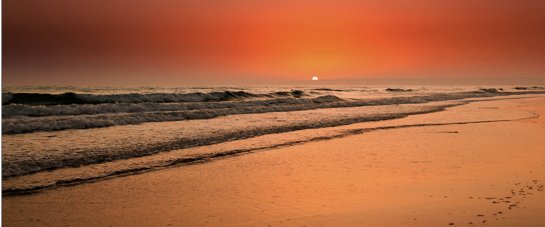 Puesta de sol en la playa de Zahara de los Atunes