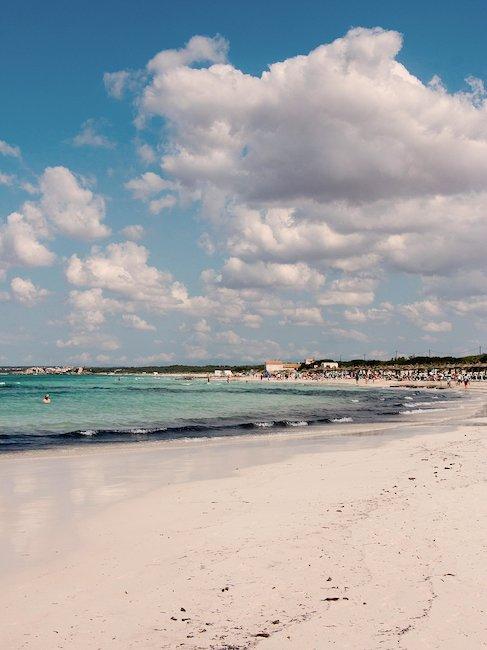Spiaggia di sabbia bianca e finissima.