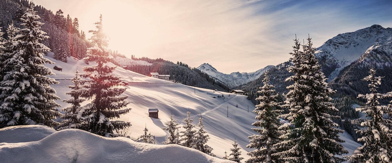 De Lechvallei is gezonken in de sneeuw.