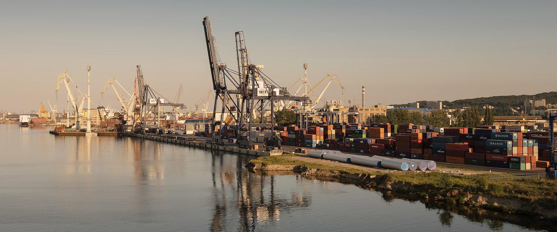 Widok na port w Gdyni