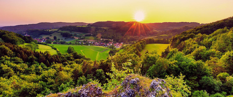 Idyllische Berglandschaft in der Fränkischen Schweiz