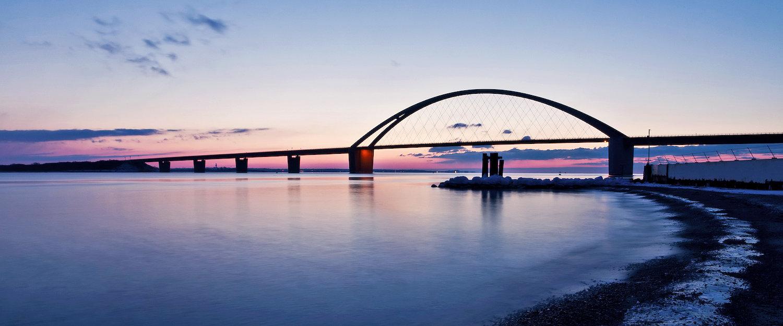 Fehmarnsundbrücke vor und über Fehmarnsund