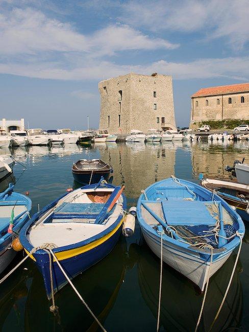 Hafen von Cilento