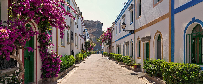 Oude stad in de kuststad Puerto de Mogan