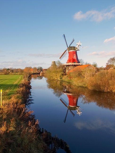 Typische Windmühle in Niedersachsen