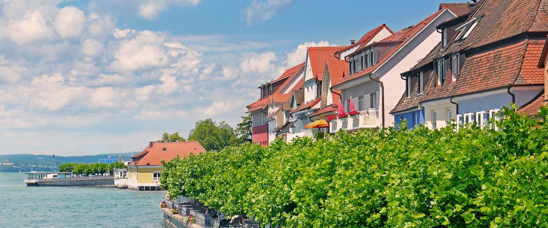 Häuser am Ufer des Bodensees