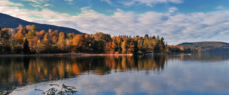 Tegernsee in Oberbayern im Herbst