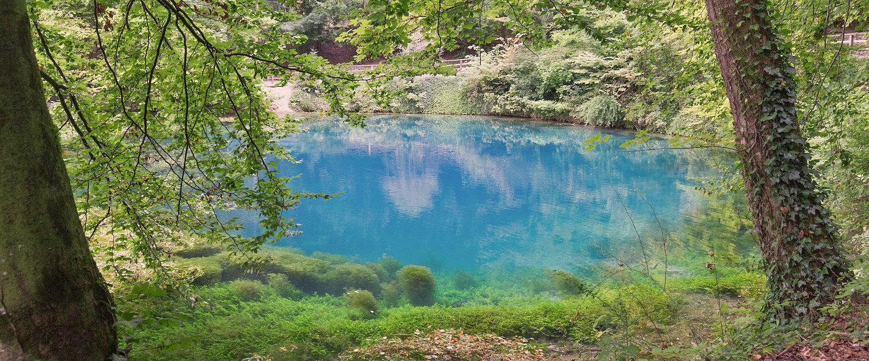 Blautopf See mit türkisem Wasser
