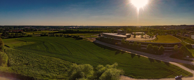 Luftaufnahme von einem Industriegebiet in der Nähe von Herzogenaurach