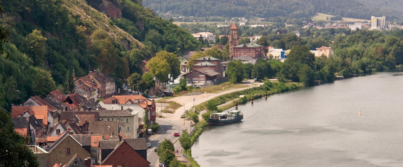 Luftaufnahme von Miltenberg am Rhein