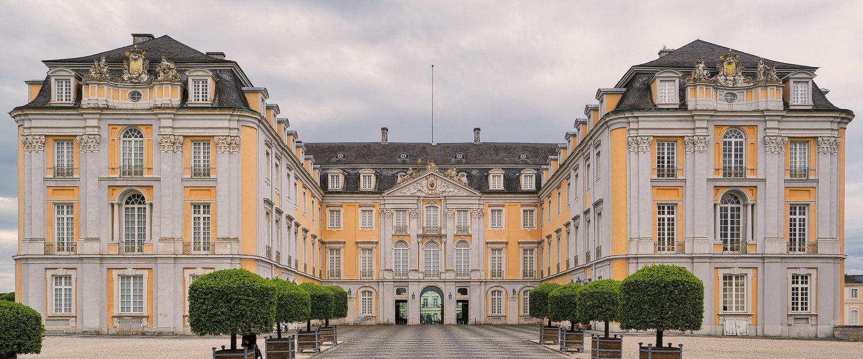 Ferienwohnungen und Ferienhäuser in Brühl