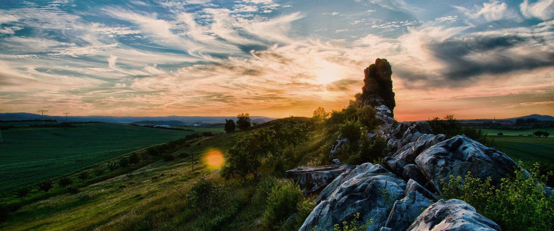 Auf außergewöhnlichen Wanderungen besondere Orte entdecken, Teufelsmauer
