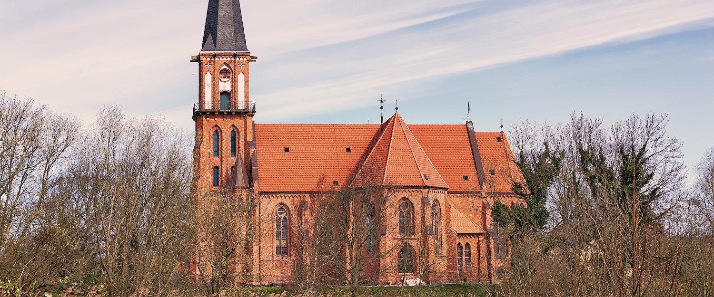 Traditionelle Kirche in Ostseenähe