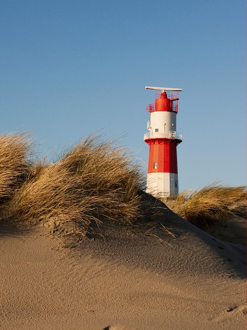 Ein typischer Leuchtturm der Insel Borkum.
