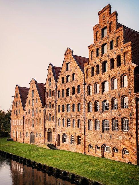 Alte Backsteinhäuser