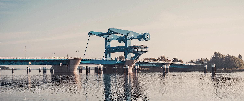 Die berühmte Peene-Brücke von Wolgast nach Usedom