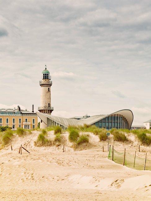 Vuurtoren en theepot in Warnemünde, Rostock
