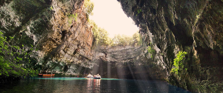 De Melissani-grot op Kefalonia