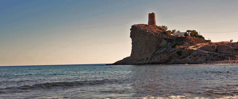 El mar y la torre del Charco