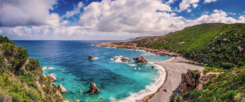 Widok na wybrzeże Costa Paradiso