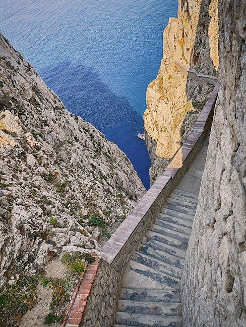 Schody prowadzące do Grotta di Nettuno - Jaskini Neptuna
