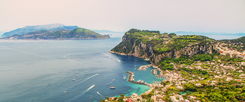 Traumhafter Ausblick über die italienische Gemeinde Anacapri