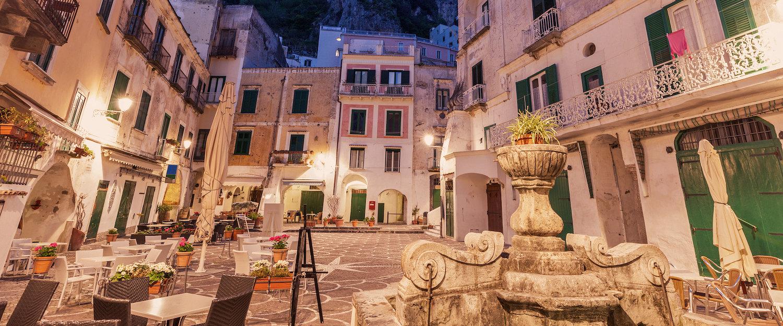 Genießen Sie ein perfektes Dinner in Vietri sul Mare.