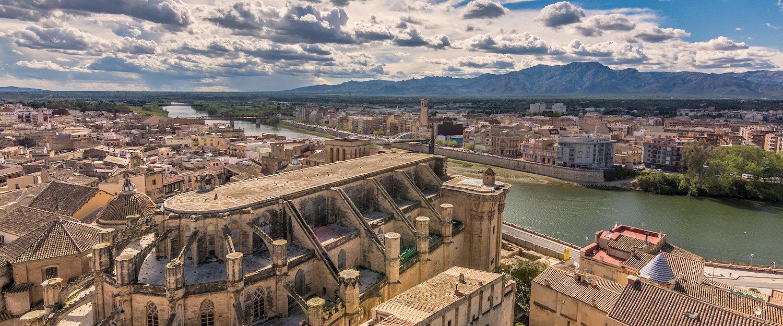 Vista de la basílica-catedral de Santa María de Tortosa