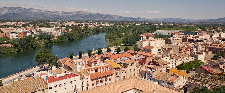 Vista de Tortosa con el río Ebro
