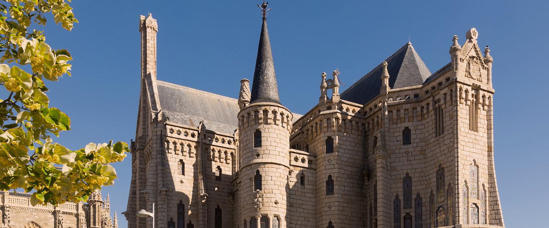 Fachada del Palacio Episcopal de Astorga