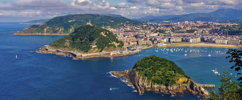 Vista de la Bahía y playa de la Concha en San Sebastián