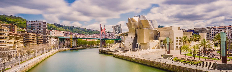 Vistas del Guggenheim y la ria de Bilbao