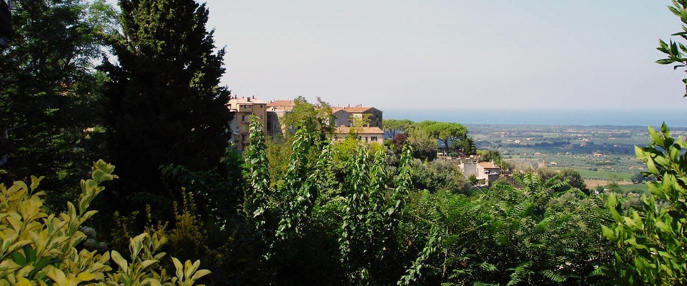 Blick von Castagento Carducci auf das Meer