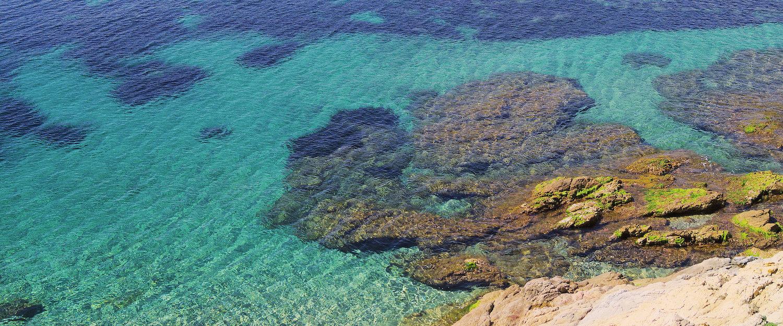 El agua cristallina de Cavalaire-sur-Mer