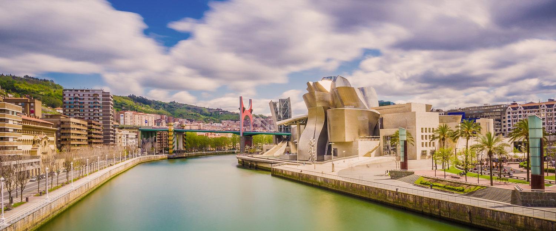 La ria de Bilbao y el Museo Guggenheim