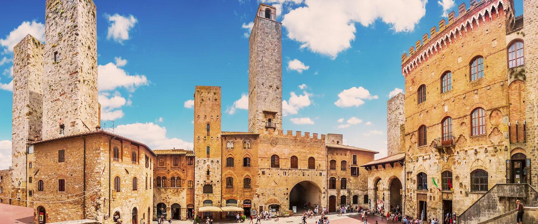 Piazza del Duomo, San Gimignano.