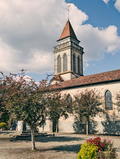 La Iglesia de Saint Andre en Saint-justin, Landes