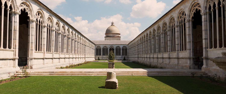 De Camposanto Monumentale, begraafplaats naast de kathedraal van Pisa, de begraafplaats naast de kathedraal van Pisa.