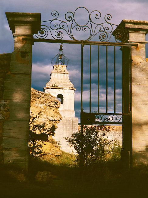 Vue sur clocher, Vaucluse