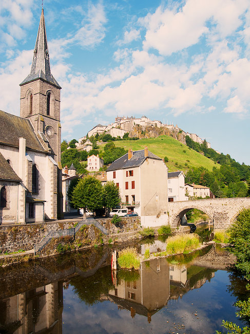 Village dans le Cantal, France