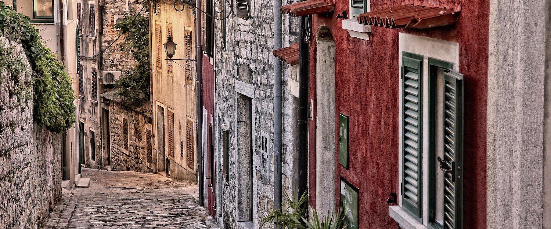 Malownicza uliczka w Rovinj