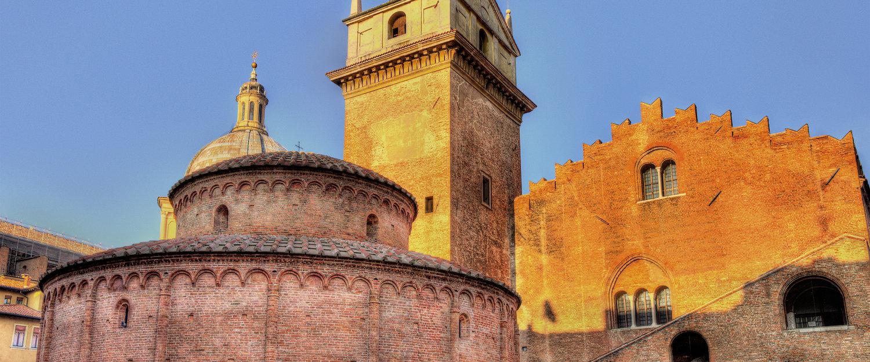 Basilica di Mantova.