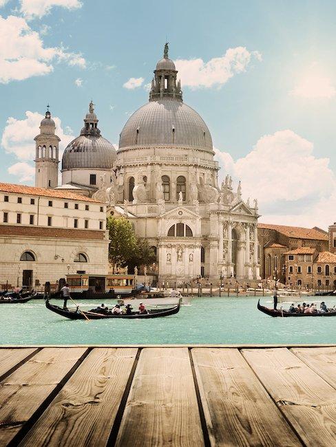 Basílica de Santa Maria della Salute y los canales