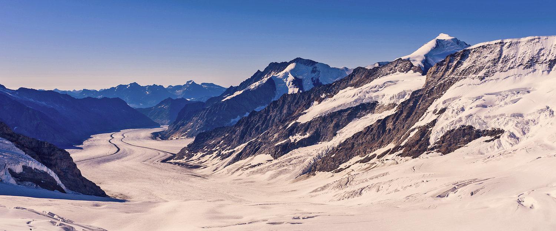 Uitzicht over de Zwitserse Alpen