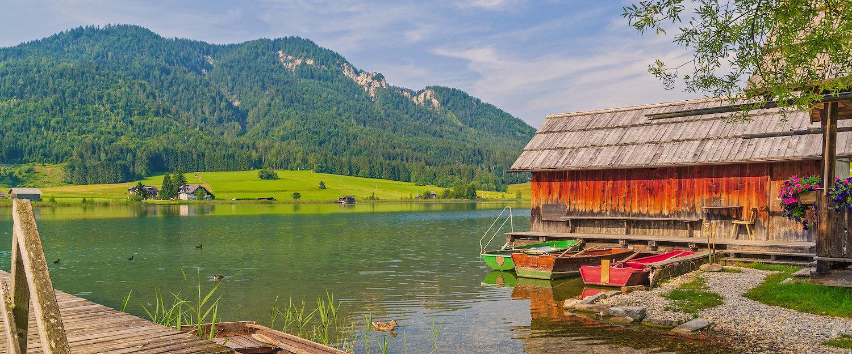 Boothuis met uitzicht op de Weissensee en de Weissensee