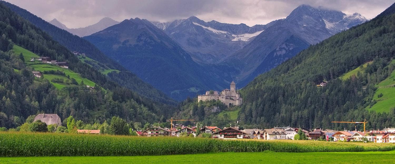 Gezicht op het kasteel van Taufers