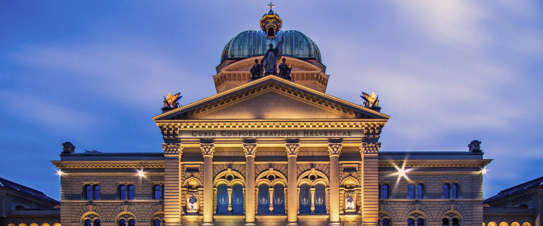 Bundeshaus en la Bundesplatz, la sede del gobierno Suizo